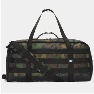 Nike SB RPM Skateboarding Duffle Bag